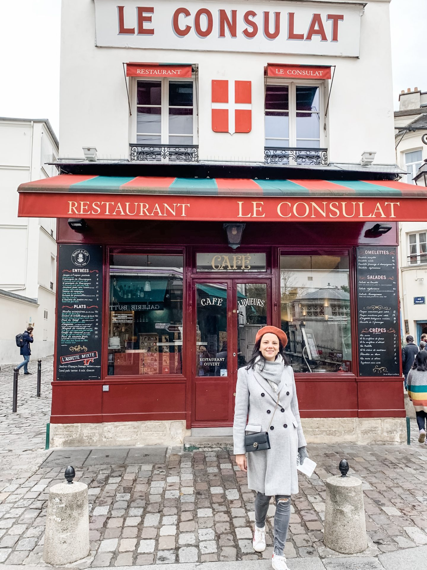 Le Consulat restaurant, the most instagrammable places in Paris