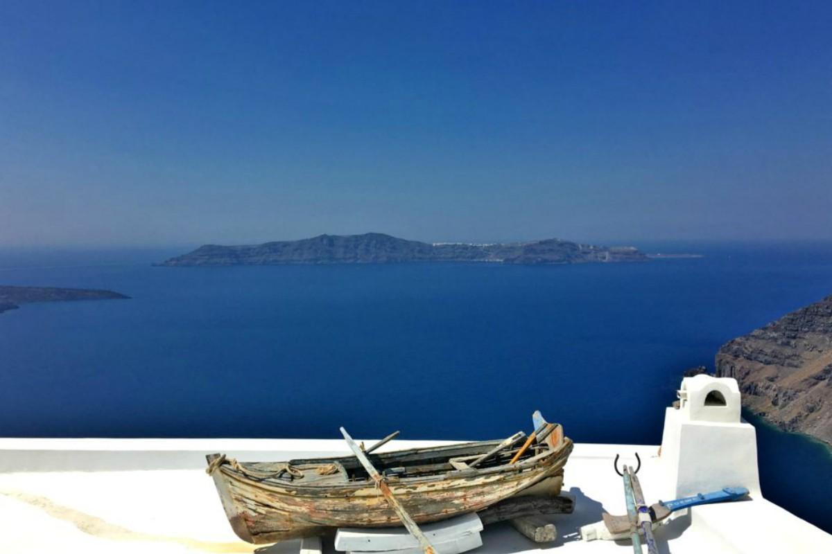 La paz y la magia de Santorini