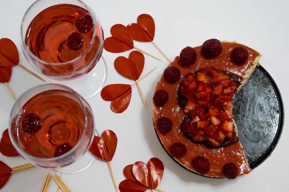 Cheesecake vegano de fresas para todos los enamorados